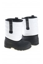 White girl snow boots, GUESS