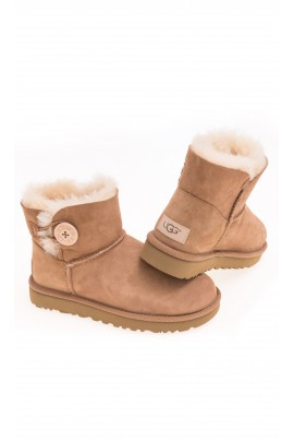 Cognac colour boots fastened with a button on the side, UGG