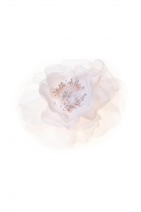 Broosch with pink silk petals, Aletta