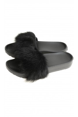 Black thongs, UGG