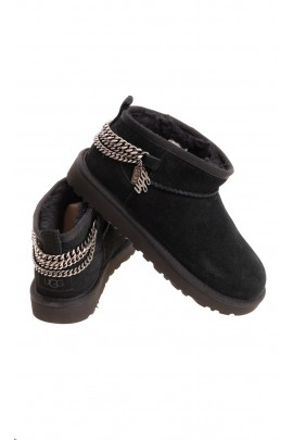 Black boots with chains, UGG